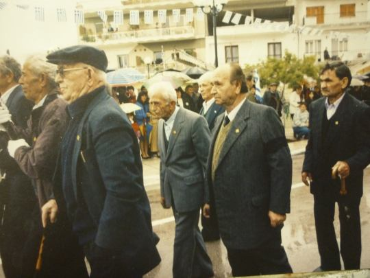 Παρέλαση Αναπήρων ,ΦΙΛΙΑΤΕΣ 25 3 2001.
