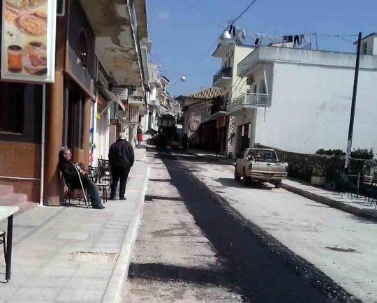 ΦΙΛΙΑΤΕΣ: Οι εσωτερικοί δρόμοι σύντομα θα χρειαστούν ασφαλτόστρωση